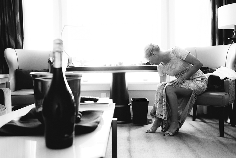 13557_016_storytelling-wedding-photographer.jpg