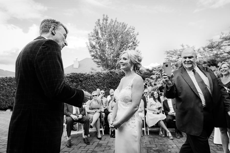 18582_101-2_bc_wedding_photographer.jpg