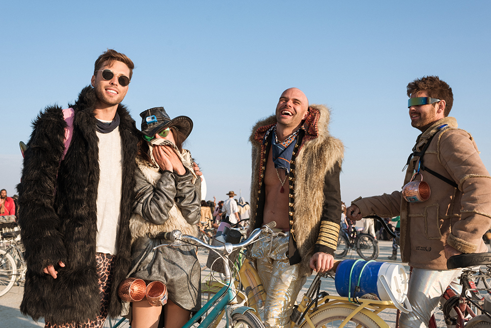 22100_28771_burningman2018_helenecyr.jpg