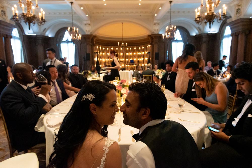 632_287-vancouver-club-wedding-photography-helenecyr.jpg