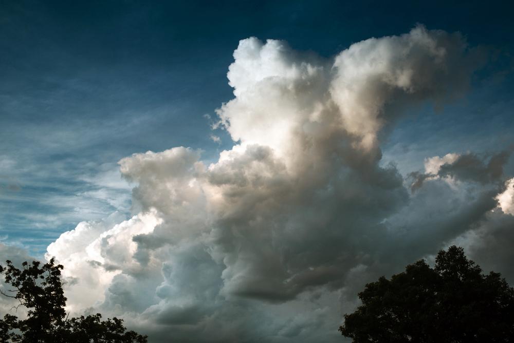 100_30,905-storm-cloud-helenecyr.jpg