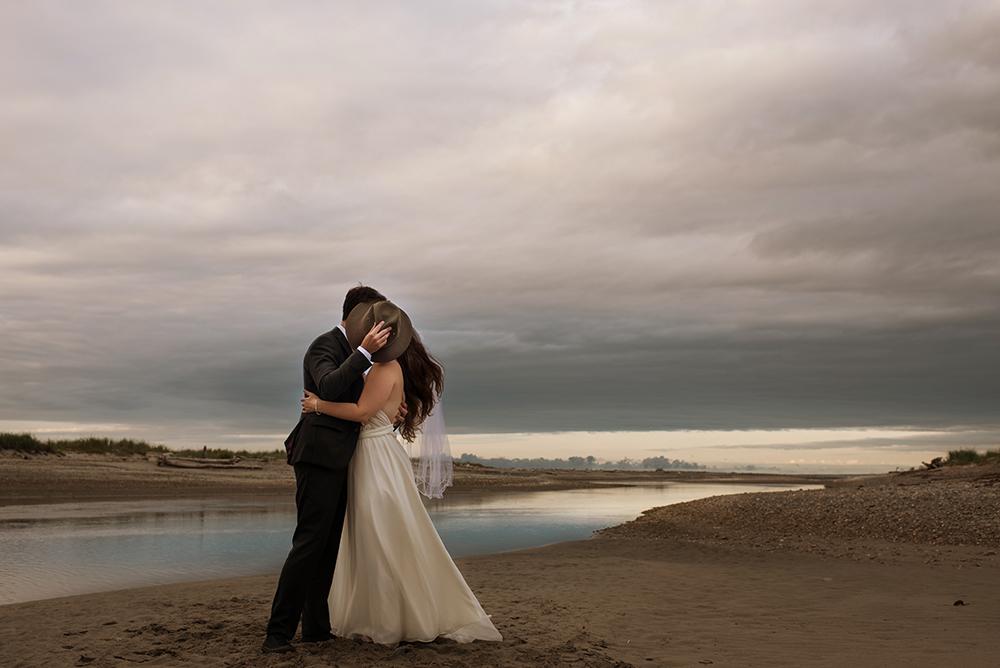642_256-haida-gwaii-elopement-helenecyr.jpg