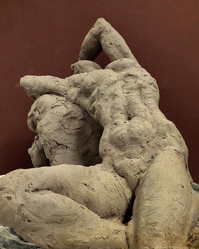 #sculpture #art #nude #figurative #clay #sculpting