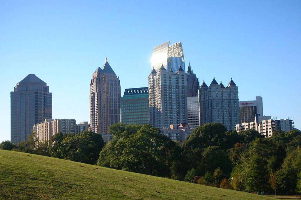 1024px-Midtown_Atlanta_Skyline.jpg