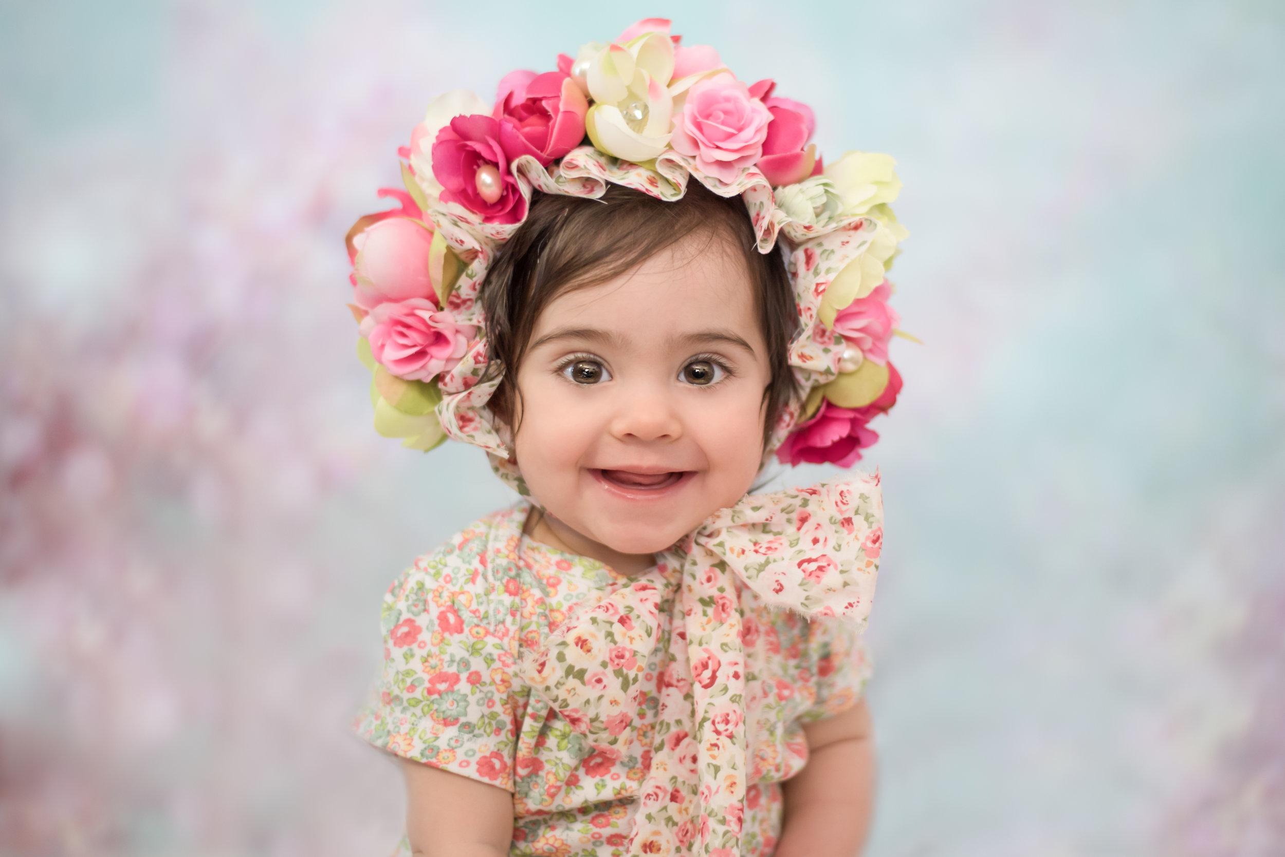 Collection Tulipe: 200$ - (1) heure de séance(2) choix de bonnet floral(10) photos numériques en haut résolution(10) photos imprimées 4x5 ou 5x7(1) Mini-Album Accordéon