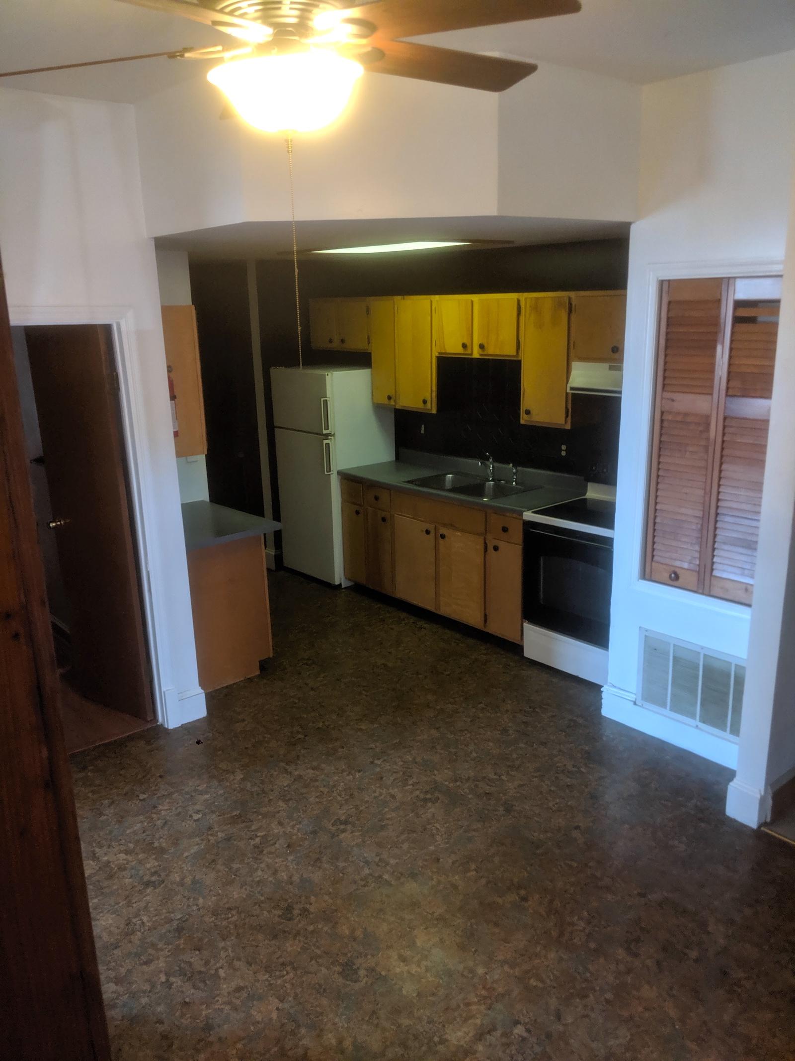 84#102 2019 Kitchen 2.jpg