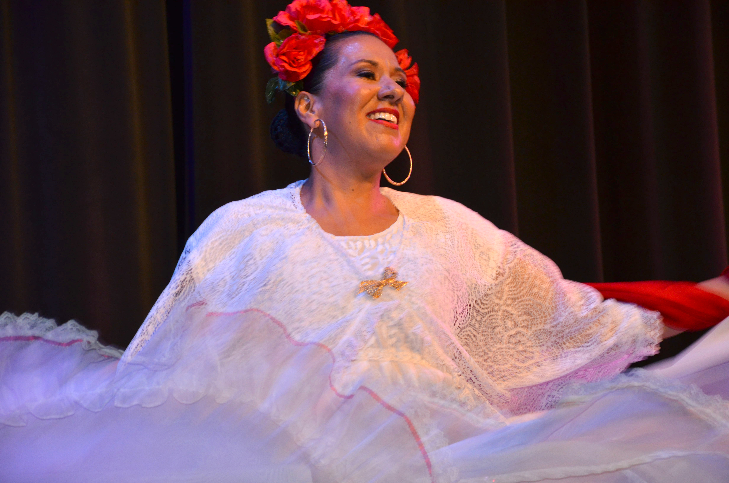 Folklorico Dancer 1.JPG