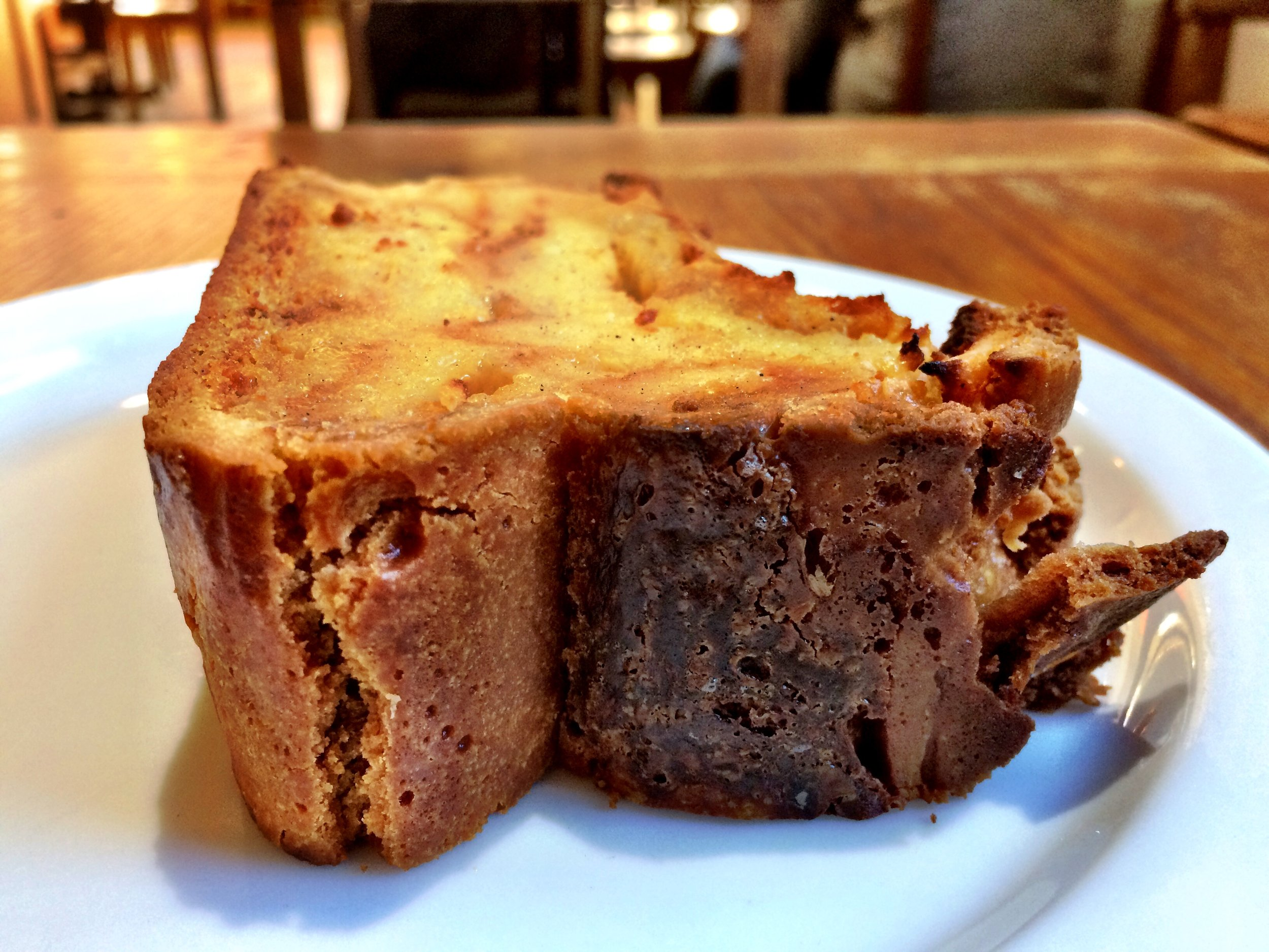 Don't be too hard on yourself as you embark on the journey of intermittent fasting. As long as you are choosing to eat right 90% of the time, it's ok to indulge in your favorite treats once in awhile. I certainly do. Like this heavenly slice of bread pudding from La Boulangerie in San Francisco.