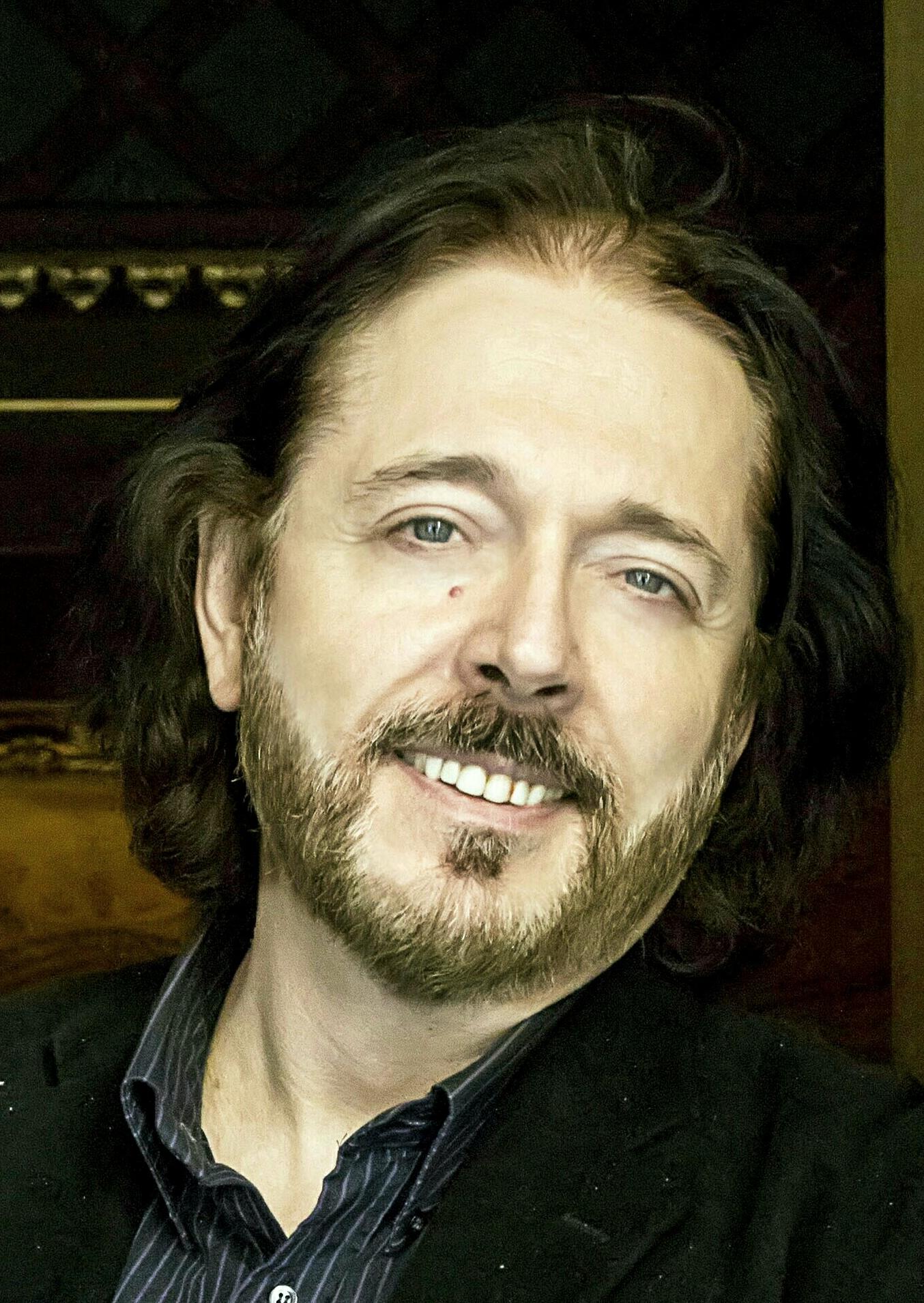 Mihály Kálmándy<br>solo & opera singing<br>advanced category