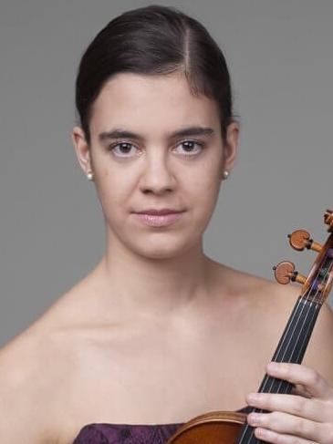 Erzsébet Hutás<br>violin