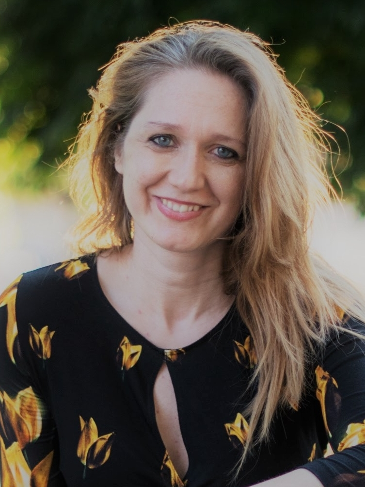 Bea Laszlovszky - coordinator
