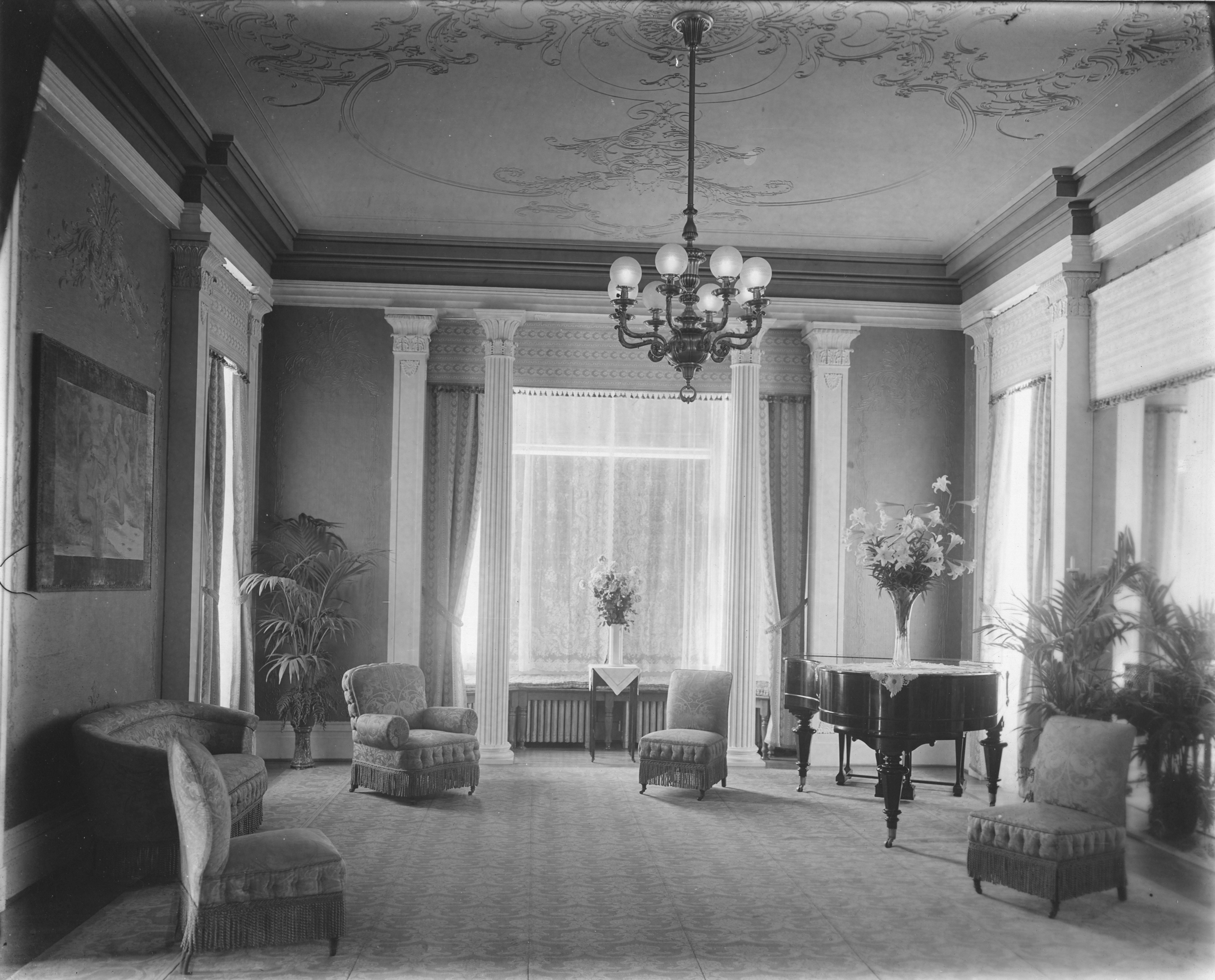 1901 Mansion Interior -  ihpa.jpg