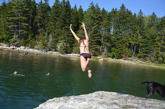 As we JUMP into the week, we wanted to encourage everyone to take an hour or two exploring the world around them this week. Take that leap of faith and go complete whatever adventure is on your bucket list! Who knows, maybe you'll find yourself jumping off small rock cliffs into the ocean like these Flood's Cove visitors! PC: @meghanpeters2 for documenting her family members' crazy, fun bravery! #floodscove