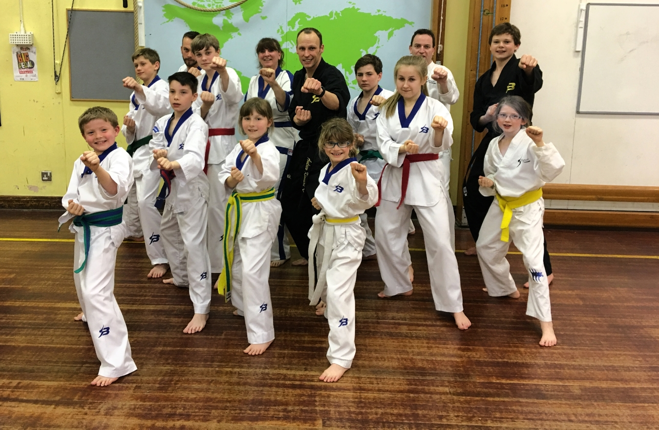 Welcome to our Thame & Long Crendon club! Visit us on Tuesdays at Long Crendon School (7pm) and Thursdays at John Hampden School (7pm)!
