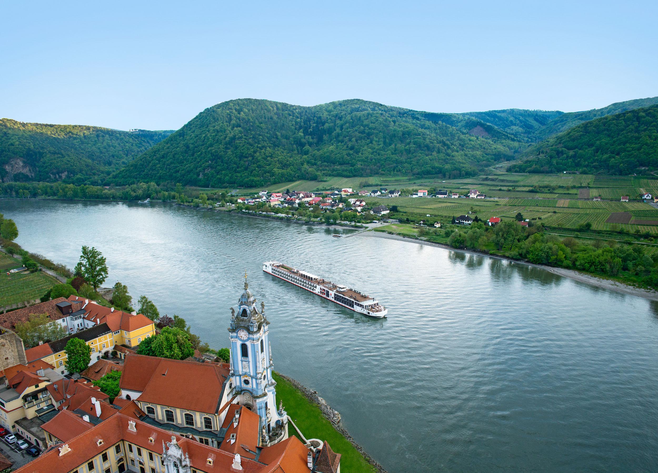 Viking_River_Cruise_Europe.jpg
