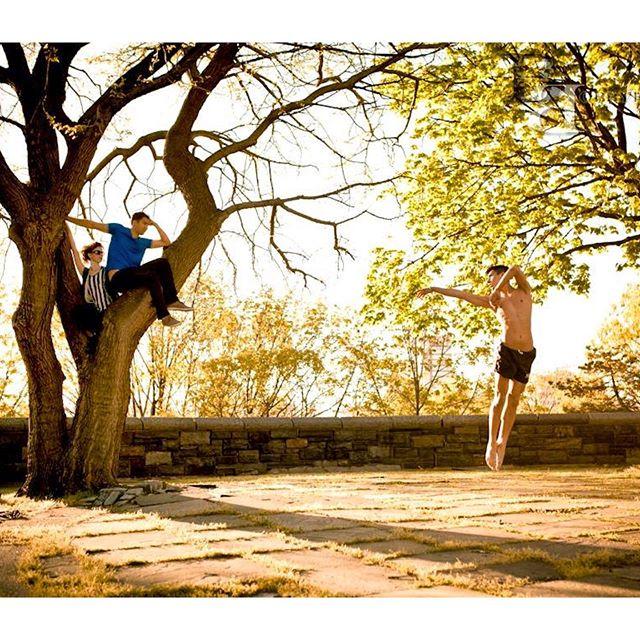Jumping in to fall like 🍂 🥰  #tbt @autumnofit @adambrozowski 📸 @bobbybonsey ⭐️