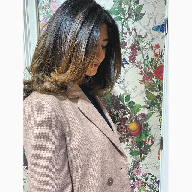 Elegance Manifested 🥰 Cut&Color by yours truly  DM me to book your next appointment at @livebytheswordsalon in Williamsburg!  Styled with products by @amika and @amikapro 👌🏽 #hairstyles #balayage #balayageombrehair #beauty #beautygram #beautifulhair #haircolor #nycstylist #nychair #nyhair #bkhairstylist #bkhair #hairbeauty