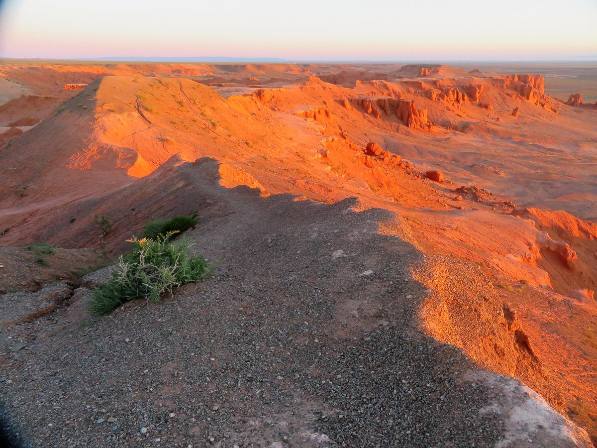 Mongolian_Desert.jpg