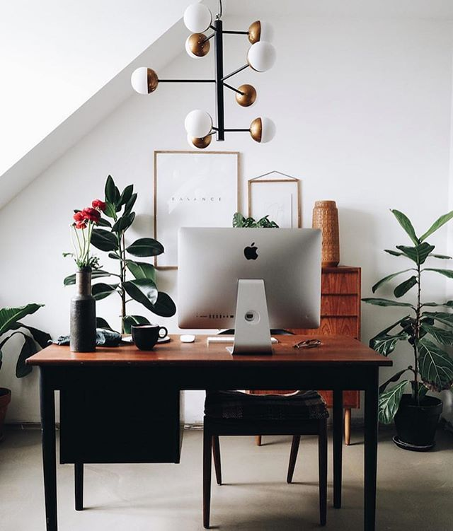 What a perfect little corner to get in girlboss mode! We are always most productive/creative when we're in a creative space. What about you guys? #girlboss #tuesdayvibes Repost: @myscandinavianhome
