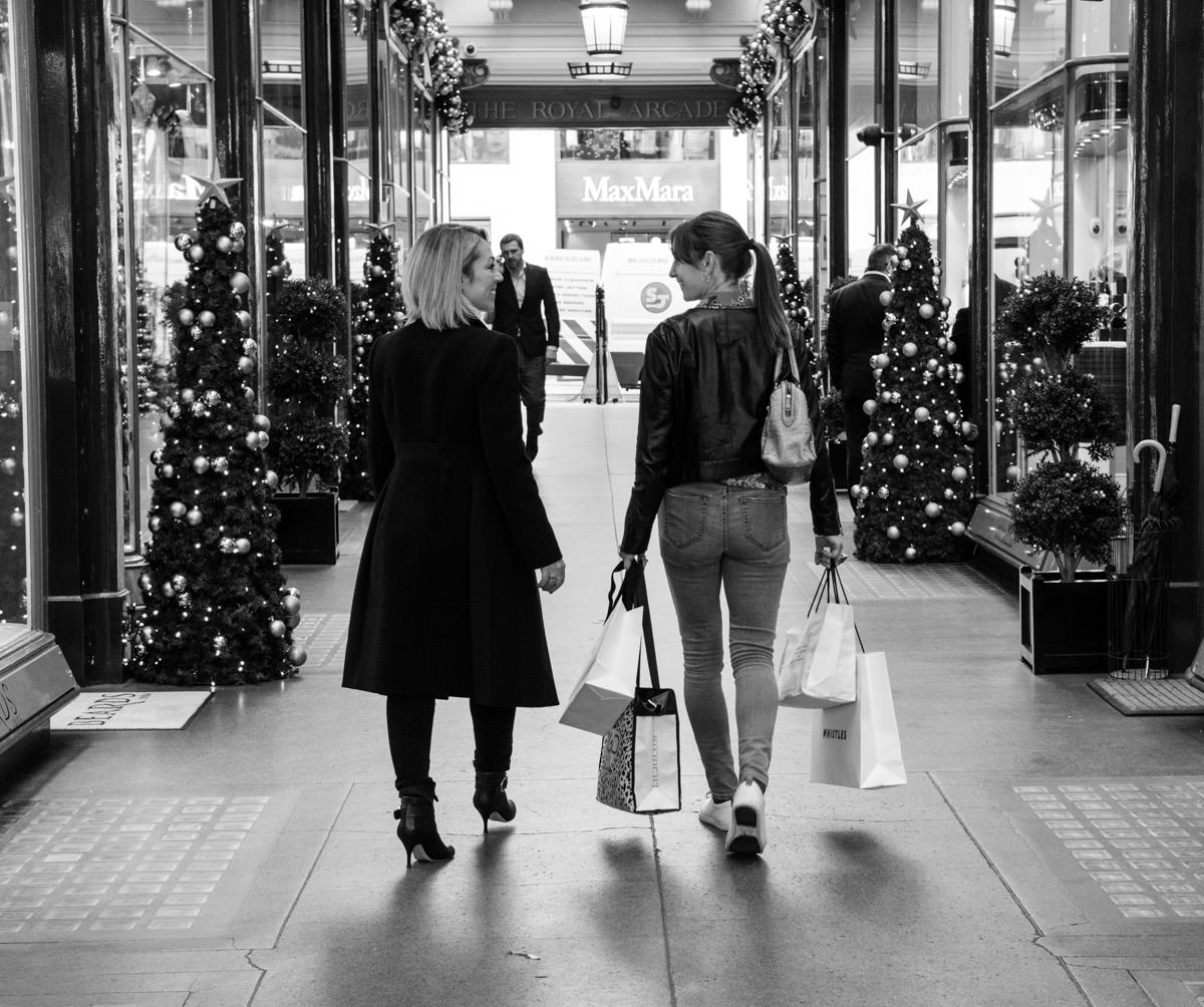 Christmas shopping clothes experience Stefania Bartolomei top UK Personal shopper fashion stylist One of a Style London