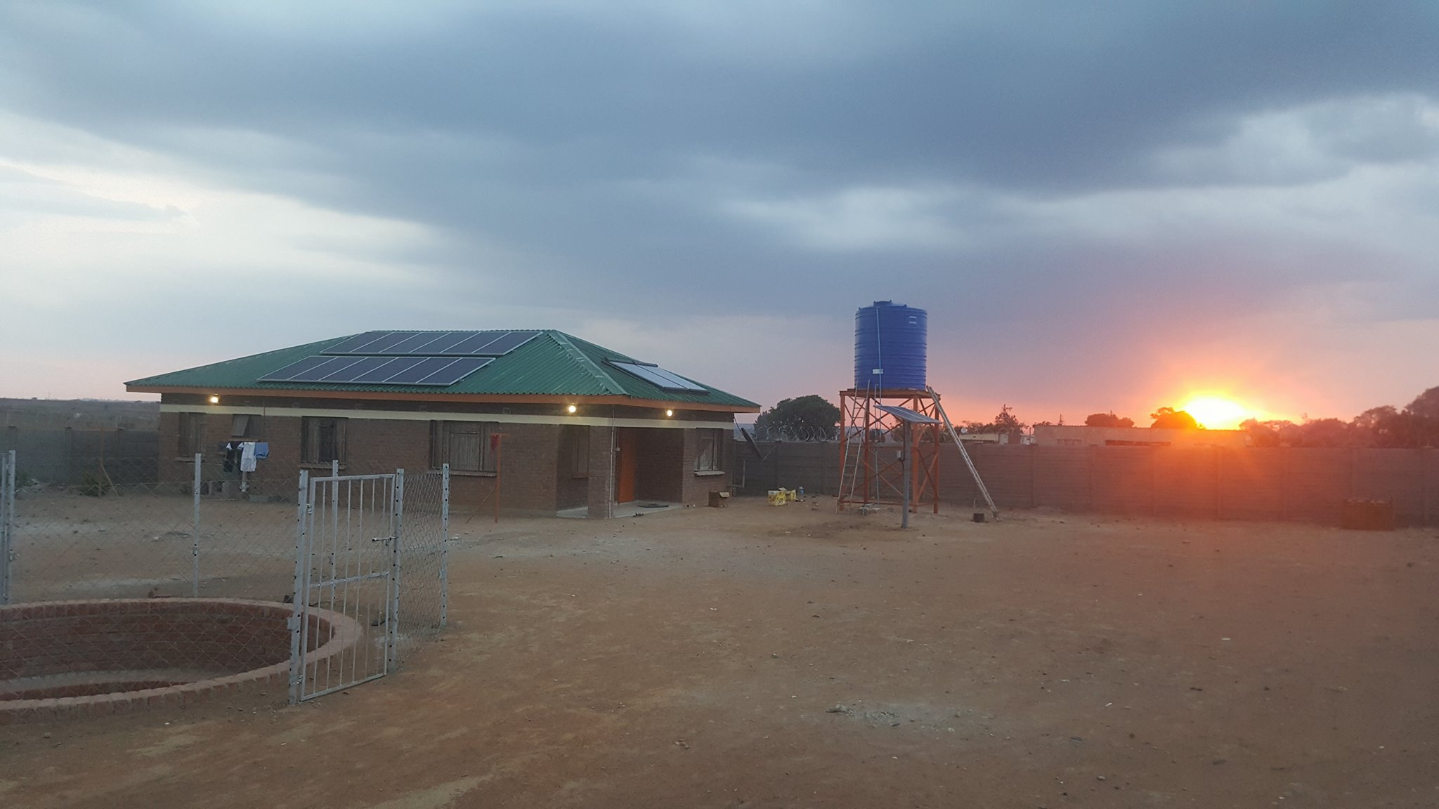 In October 2016 the engineers Joar Larsen and Mathias Espeland from Engineers Without Boarders Norway went down to Zimbabwe to install a solar geyser at the orphanage. Their mission was successfully accomplished, and you can read their final report  here .