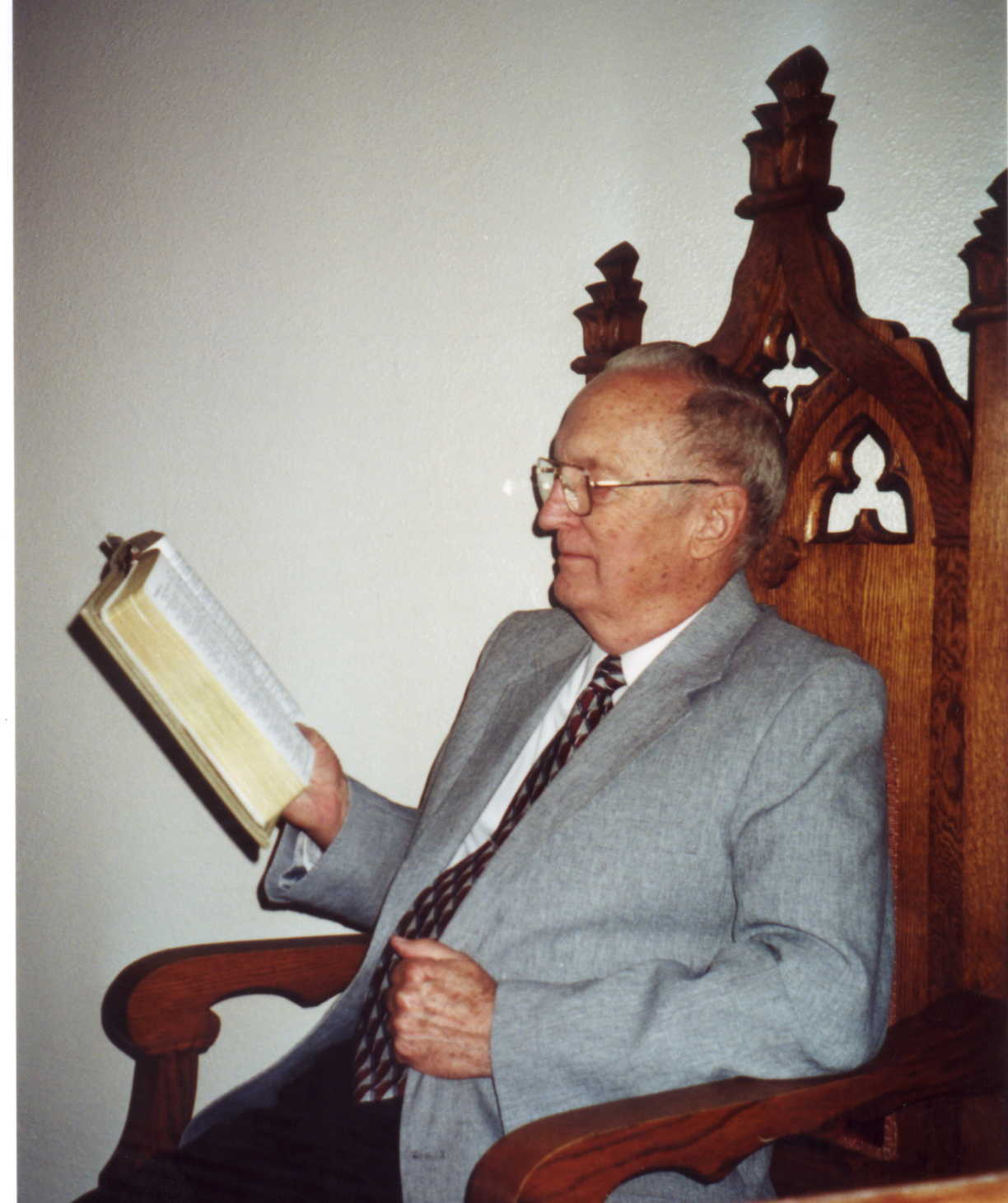 Pastor Harvey Hoiberg