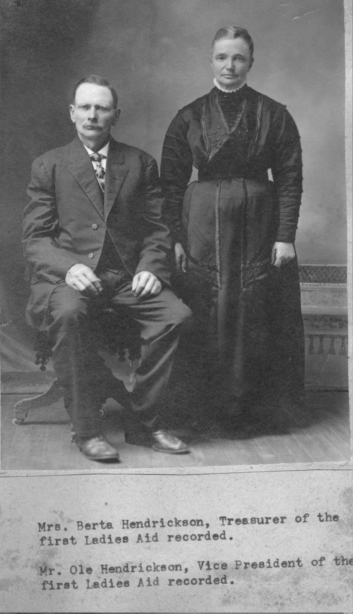 H Ole and Bertha Hendrickson.JPG