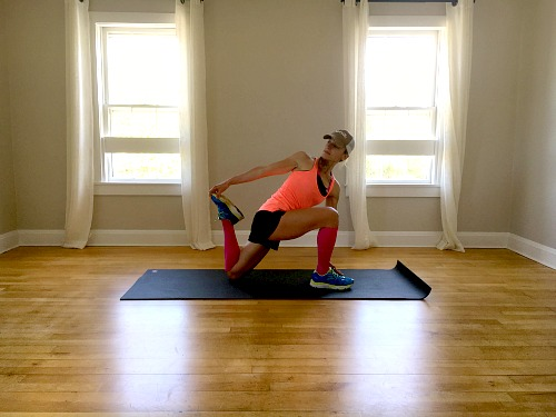 Kneeling Twist With Quad Stretch