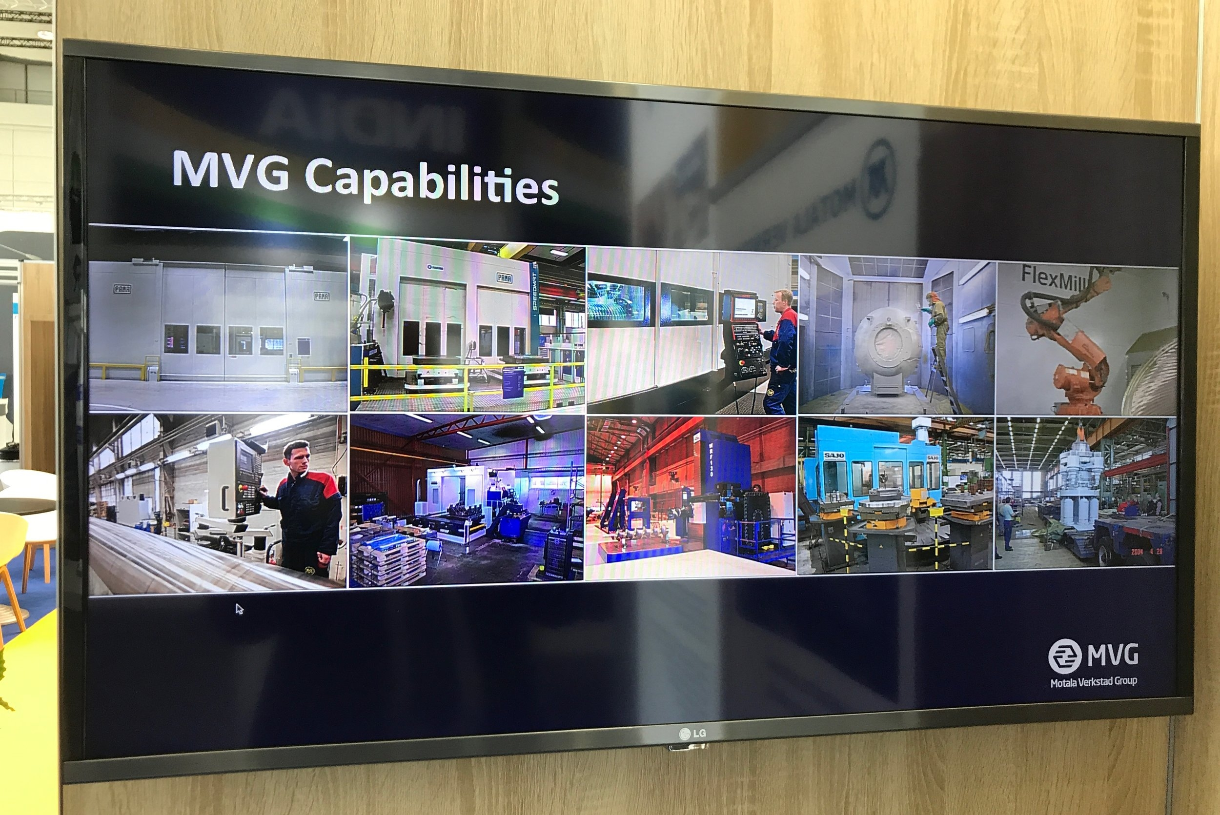 ....MVG information kiosk .. MVG Informationskiosk ....