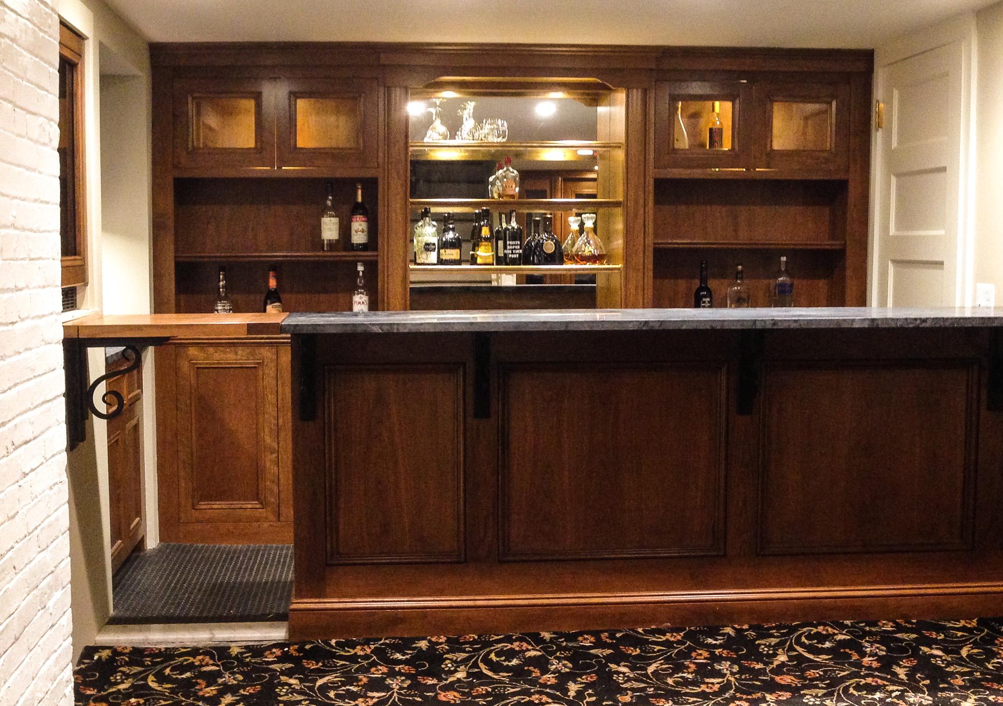 Built-In Wet Bar
