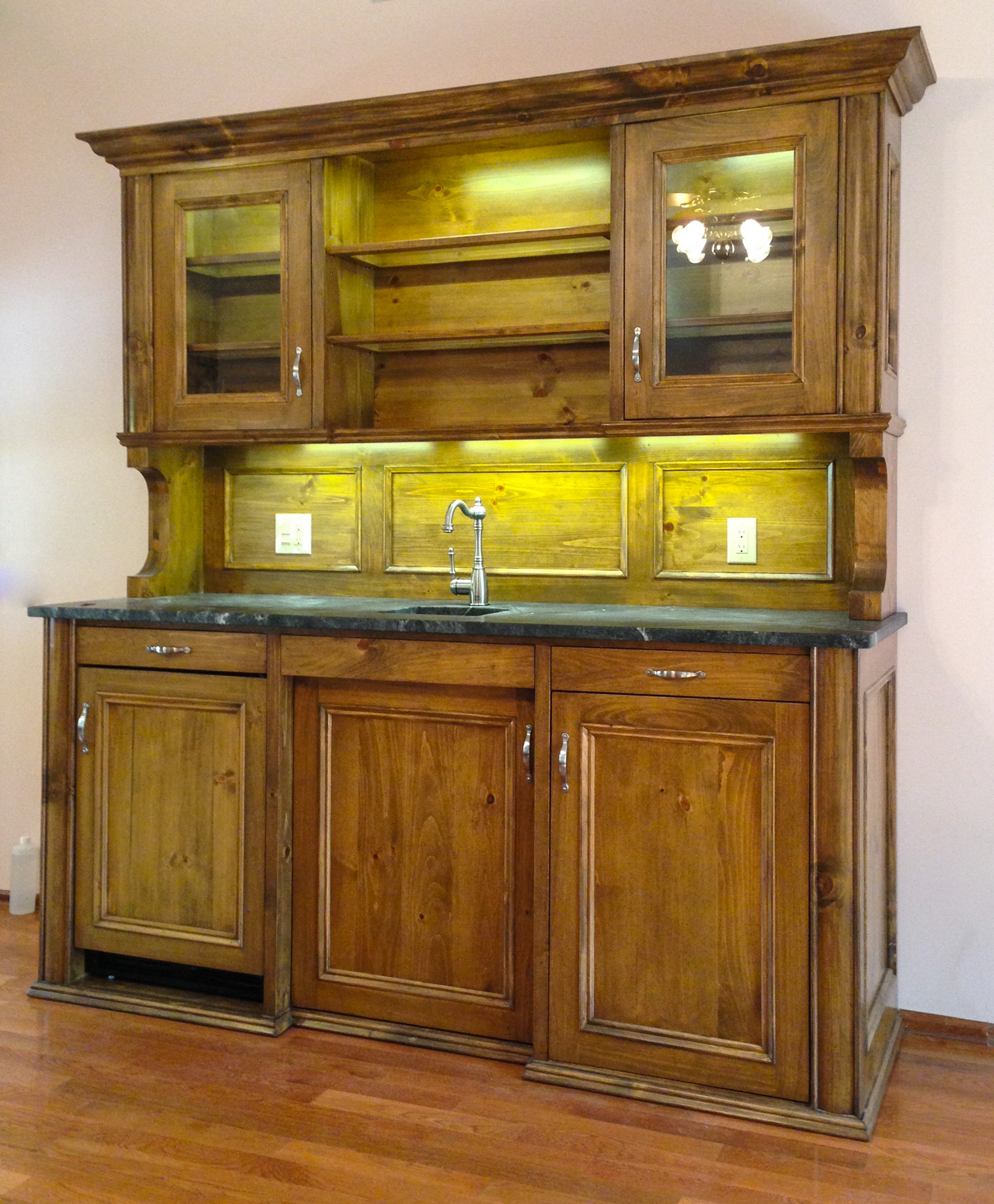 Wet Bar with Cabinet Lighting