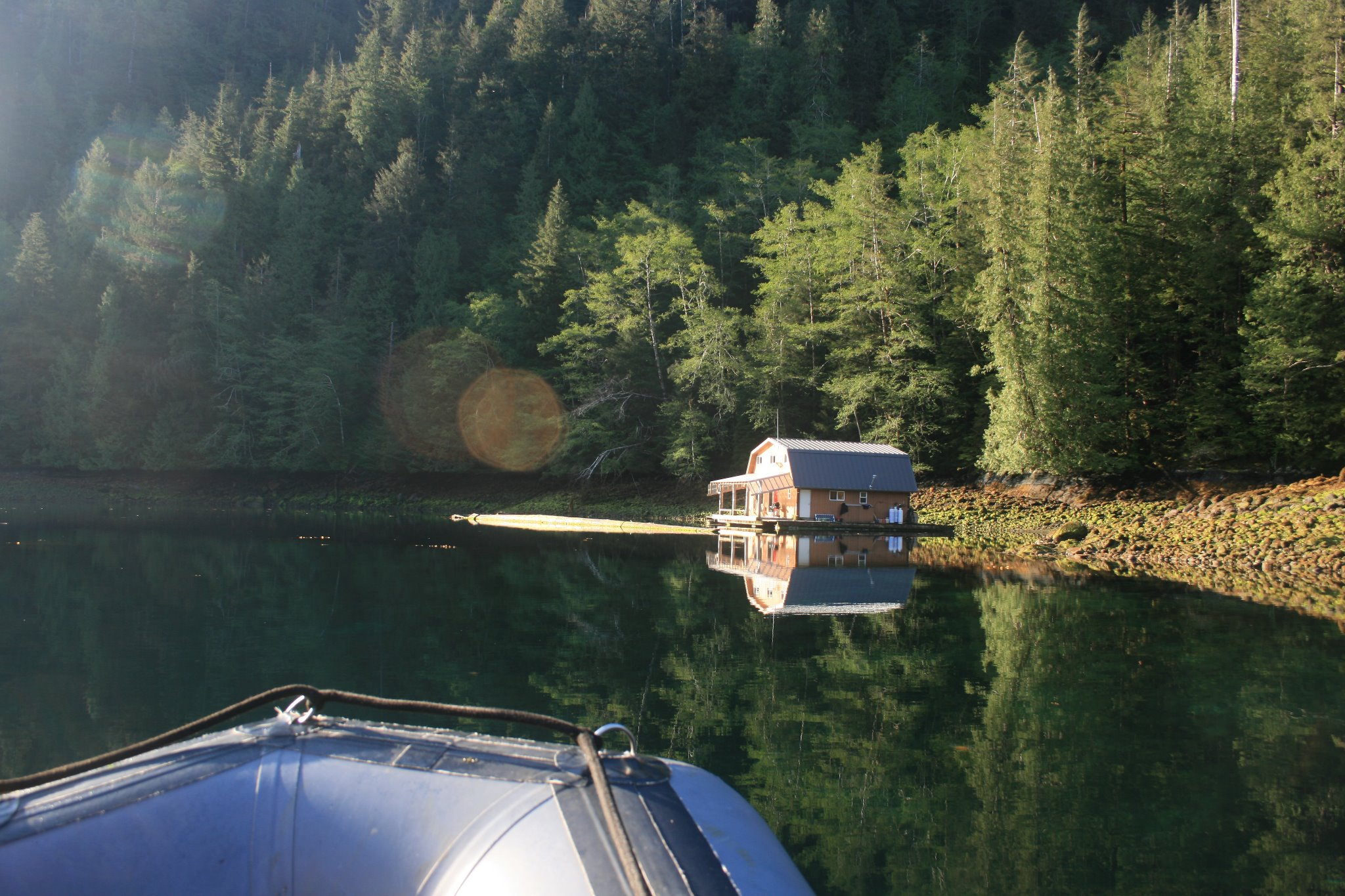 floathouse1.jpg
