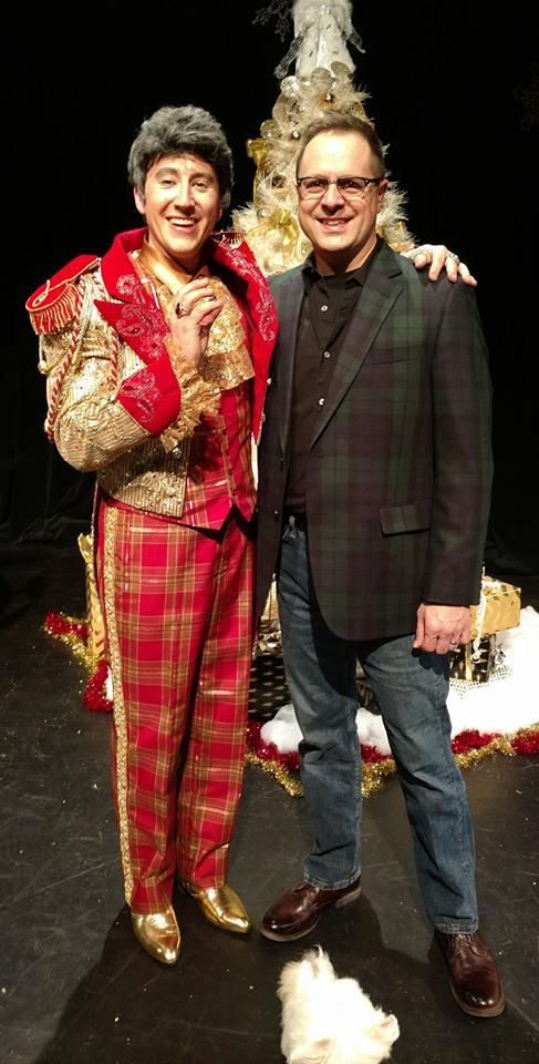 Liberace (David Saffert) with costumer Jeffery Wilson