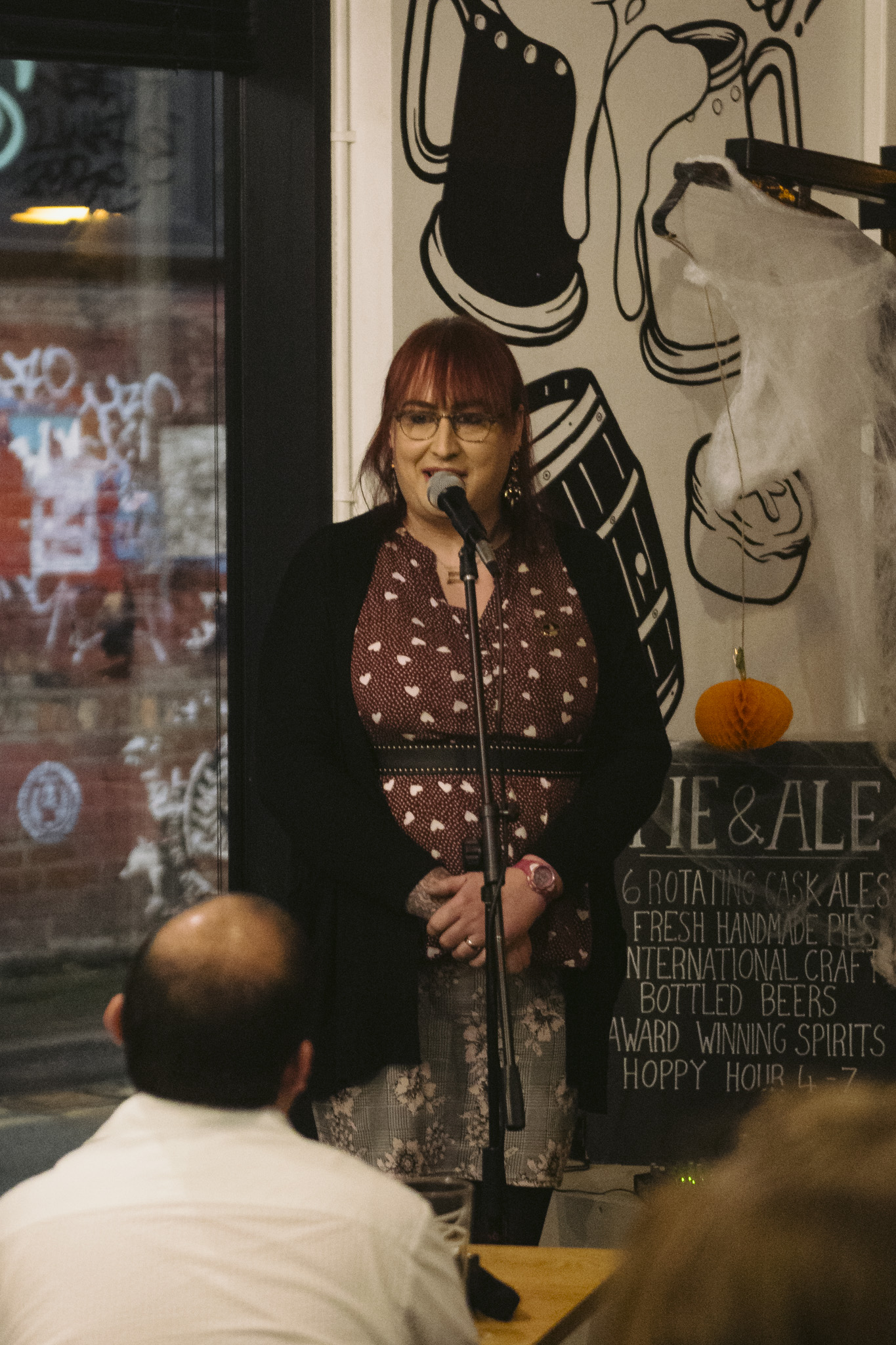 Charlotte Istance-Tamblin shares her story at the Pie and Ale during the Manchester Science Festival in October, 2018. Photo by Drew Forsyth.
