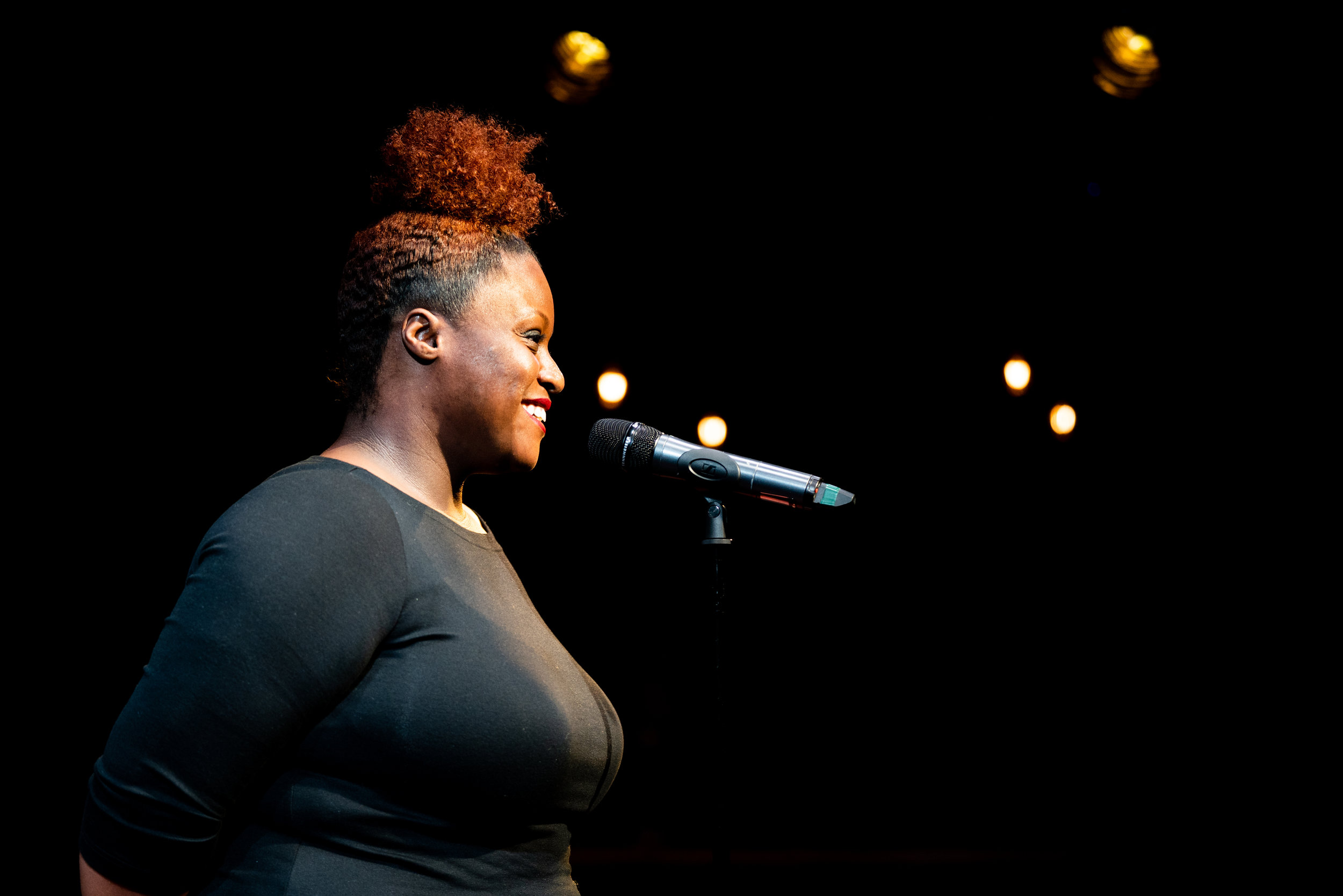 Nakeysha Roberts Washington shares her story with the Story Collider audience at Caveat in New York City in March 2019. Photo by Zhen Qin.