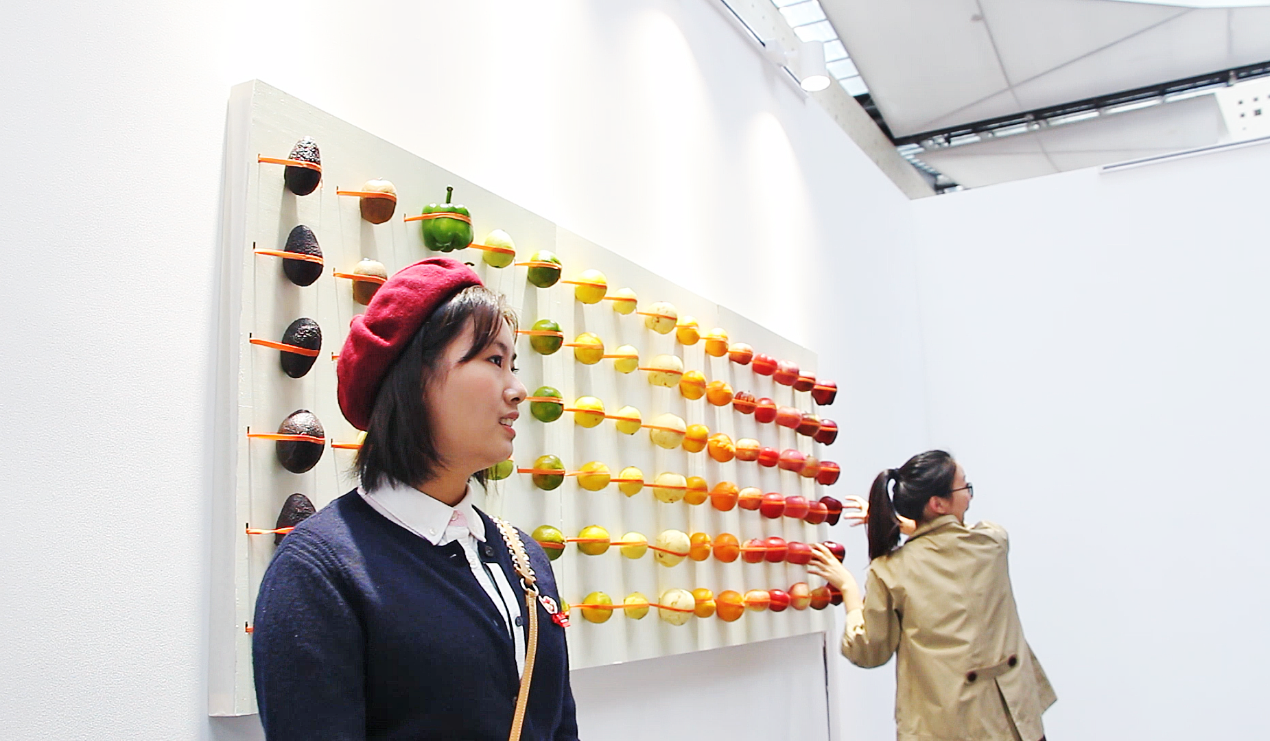 Electronic+Fruit Wall 5_HE Wei_Photo by Yangxingyue Wang.png