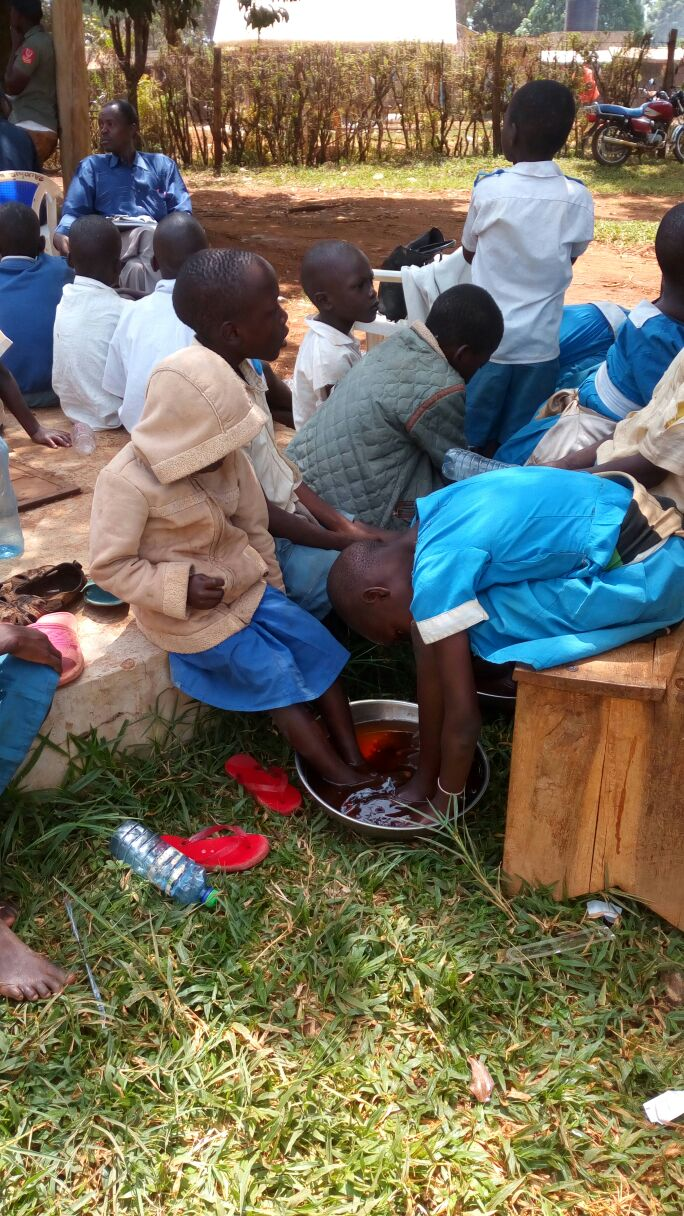 Health Care workers treating jiggers.