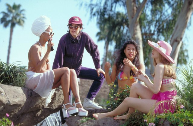 Got a Girl Crush On: this dream-team photo ofStacey Dash, Amy Heckerling and Alicia Silverstone on-set of Clueless (1995)     Can I swoon a little about Ms. Herckerling for a minute?   She'sone of the few female directors to have produced multiple box-office hits: (i.e.  Fast Times at Ridgemont High, National Lampoon's European Vacation, Look Who's Talking , and–of course– Clueless ). She's also directed a few episodes of the American version of  The Office .   Gotta love a woman with a sense of humor.