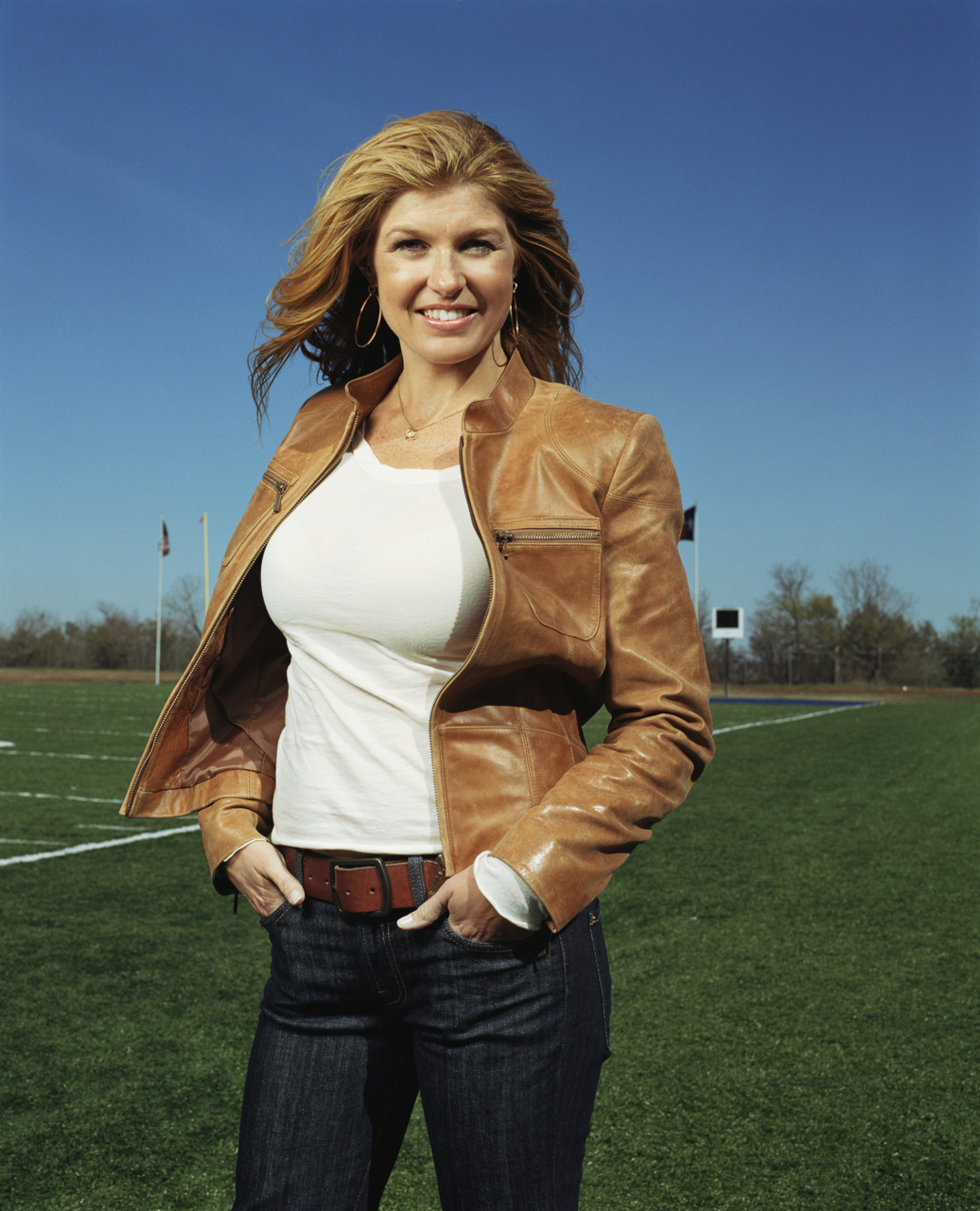 Got a Girl Crush On: Connie Britton as Tami Taylor in  Friday Night Lights     So I know I'm way late on the FNL band-wagon, but no matter since it's streaming on Netflix! Who knew I'd give a damn abouthigh schoolfootball (well, not really, but it hasadmittedlygotten me teary-eyed in parts)?   That said, I've discovered that even though at face value it's all male-centered and sports, there are a ton of really strong female characters. Par examplé: Tami Taylor (wife of lead, couch Eric Taylor). The show touches onschool funding, racism, drugs, abortion, and lack of economic opportunities. And I can't help but think how Tami and Eric Taylor might be one of the most realistically portrayed married couple on tv. They fight. They piss each other off. But they reconcile knowing they are a team of two. And Tami doesn't take no guff(no spoilers y'all I'm only on season 3).   Connie Britton gives a reallyheartfeltinterview on   Fresh Air  on NPR about the freedoms given to her as an actress and the importance of the show on American television.   Totally worth a listen.