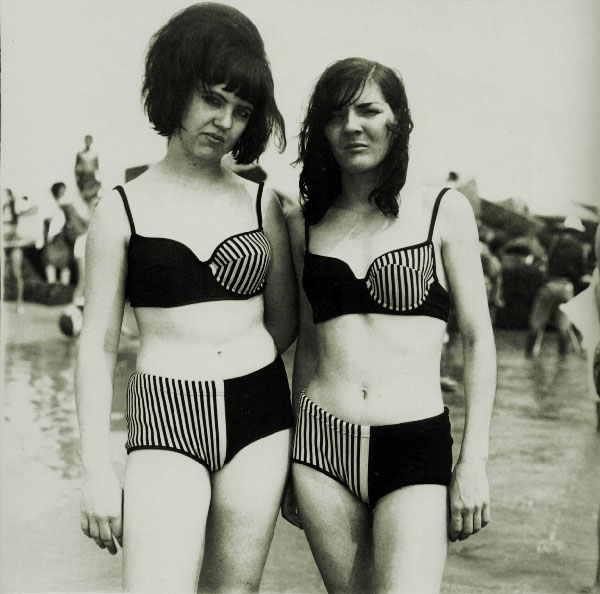 Got A Girl Crush On:  Two girls in matching bathing suits (Coney Island, NY, 1967) , by Diane Arbus     Summer babes !   (via  nellienellie :  ratak-monodosico )