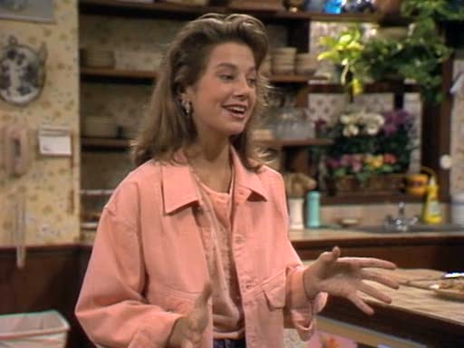 Got A Girl Crush On :Mallory Keaton from  Family Ties    Best new tv fashion (tum)blog (second to the Roseanne-focused  Third & Delaware ): Mallorysclothes    Peach jean jacket on peach shirt & high-waisted jeans? Yes, please.    (via mallorysclothes :Season 5, Episode 16 1.29.1987)