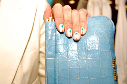 chelsaskees :     Alexa Chung is adorable from head to toe…err…finger nails.   photo by: Michelle Peralta