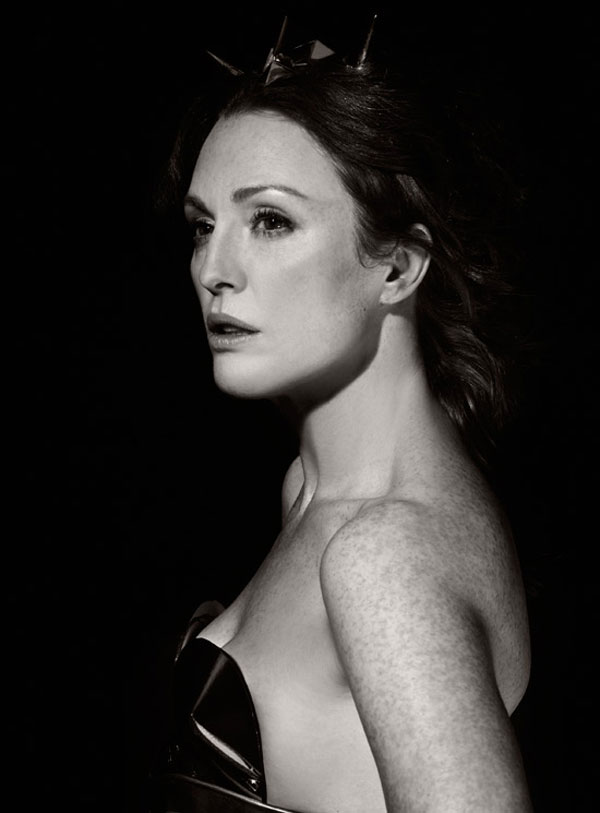Got A Girl Crush On:  Julianne Moore in the 2011 Pirelli Calender   HOLY CRAP she looks awesome!