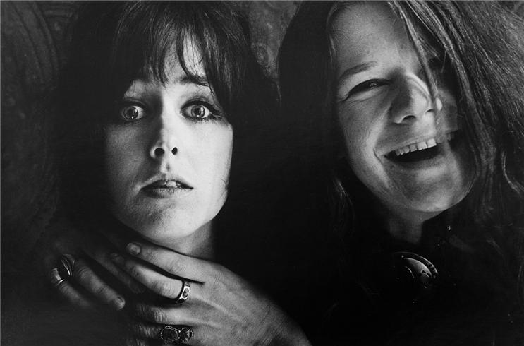 Got A Girl Crush On:  Grace Slick and Janis Joplin, San Francisco, CA 1967©  JIM MARSHALL , 1967    (via  winesburgohio )