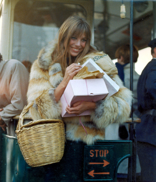 Got a girl crush on: Jane Birkin    Swinging 60s style icons…they're just like us!   (via  nevver )