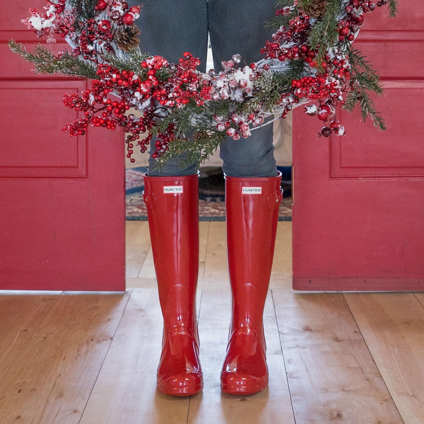 Hello-Olivia-Photography-Long-Island-NY-Children-family-portraits-nordstrom-boots-red-hunters.jpg