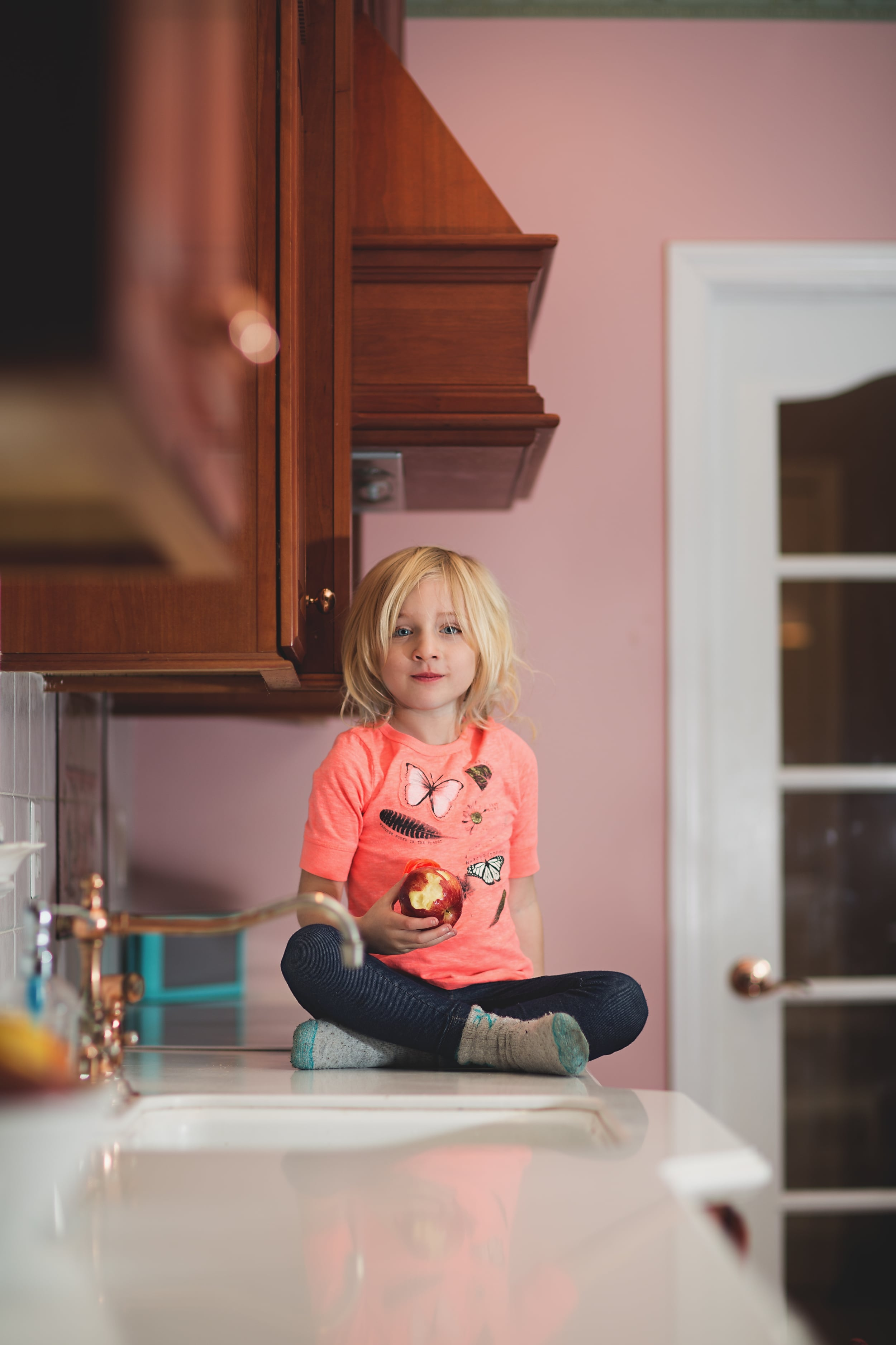 Hello-olivia-photography-long-island-family-photographer-kitchen-helper