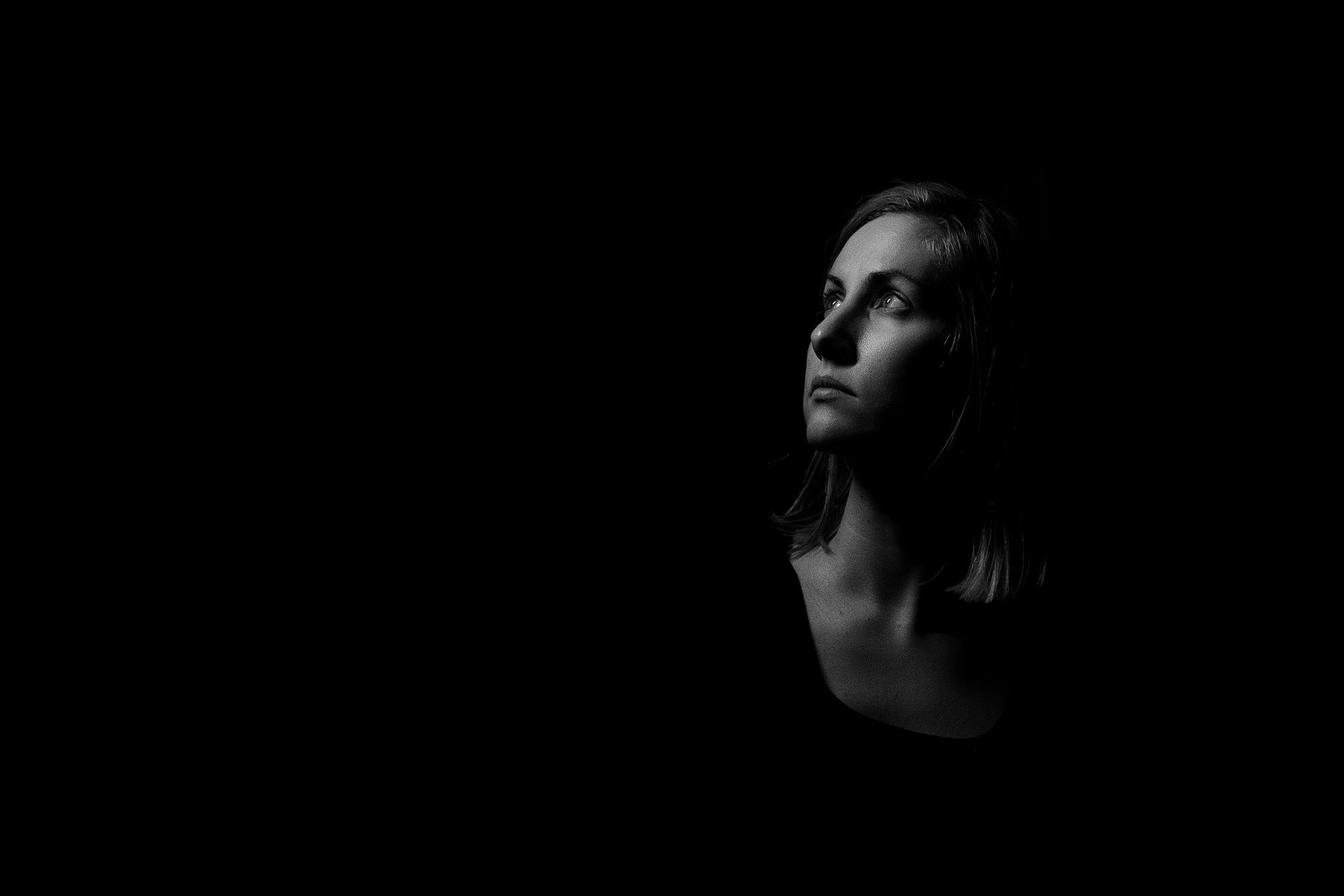 Hello-Olivia-photography-selfie-emotional-me-lice-light
