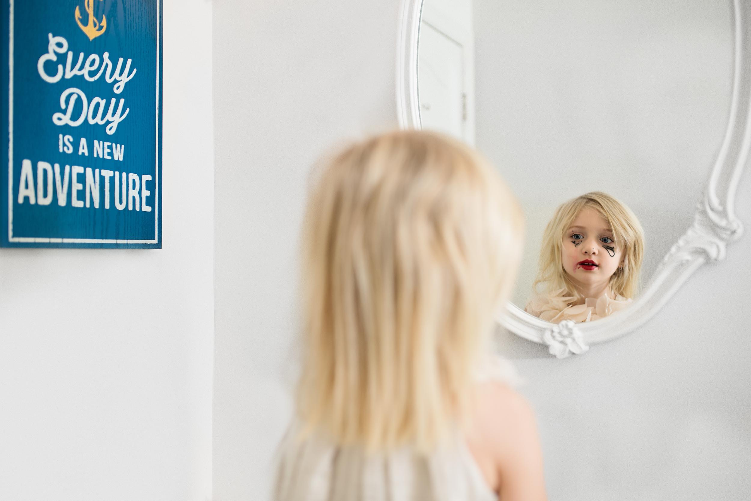 Hello-Olivia-Photography-mommys-make-up