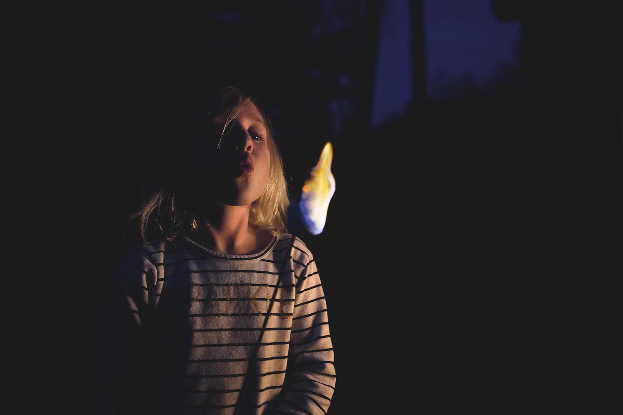 Long-Island-family-photographer-hello-olivia-photography-night-marshmallows.png